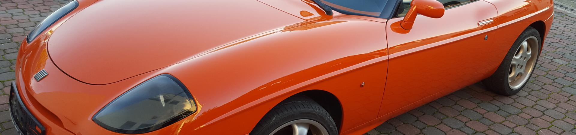 Komplettlackierungen einschließlich notwendiger Montagearbeiten für sämtliche zu beschichtenden Innen - und Außenflächen an Fahrzeugen aller Art.