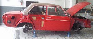 Oldtimer Restaurierung Audi 60L Montage